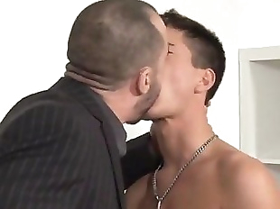 Hunks vs Twink...Dad sucks licks fucks horny..